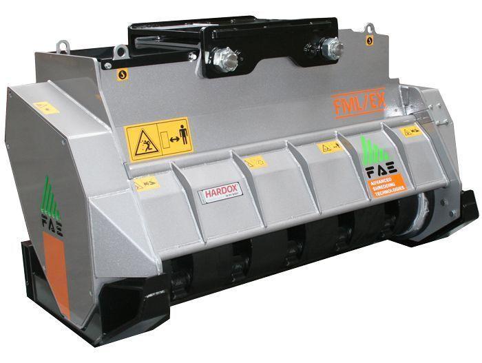 FML/EX 100 Peso Excavadora 14-20 tn Ancho de Trabajo 1100 mm Potencia Excavadora 90-120 CV Diámetro Max. Trituración 20 cm Rotor Martillos Oscilantes Español Inglés