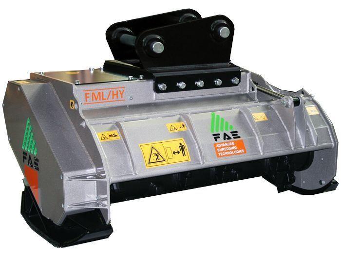 FML/HY 100 Peso Excavadora 7-14 tn Ancho de Trabajo 1100 mm Potencia Excavadora 70-160 CV Diámetro Max. Trituración 15 cm Rotor Martillos Oscilantes Español Inglés
