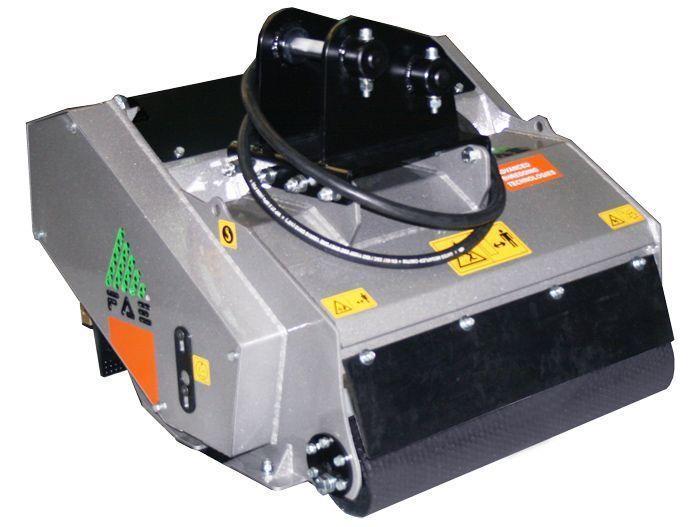 PML/HY 50 Peso Excavadora 1,5-3,5 tn Ancho de Trabajo 500 mm Potencia Excavadora 20-35 CV Diámetro Max. Trituración 2 cm Rotor Martillos/Cuchillas flotantes Español Inglés