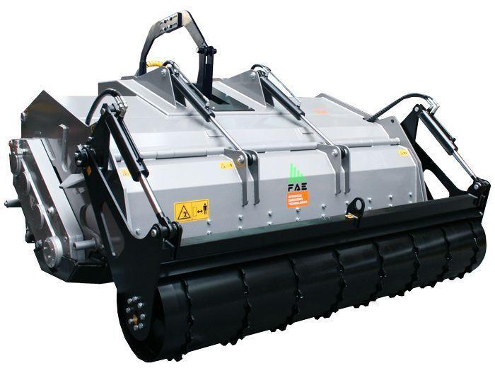 SSH 150 Ancho de Trabajo 1600 mm Potencia Tractor 160-280 CV Profundidad Trabajo 40 cm Rotor Dientes fijos Peso 3690 Kg Español Inglés