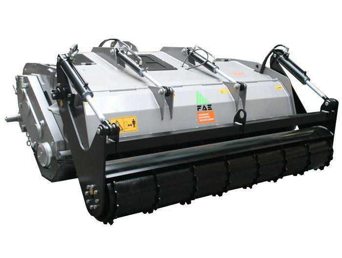 SSM 200 Ancho de Trabajo 2080 mm Potencia Tractor 150-250 CV Diámetro MAX Trituración 50 cm Rotor Dientes Fijos Profundidad Trabajo 40 cm Español Inglés