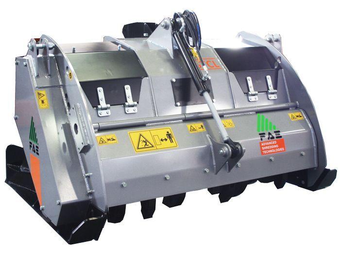STCL 125 Ancho de Trabajo 1350 mm Potencia Tractor 80-120 CV Diámetro max. Trituración 15 cm Profundidad max. trabajo 15 cm Rotor Dientes fijos Peso 1280 Kg Español Inglés