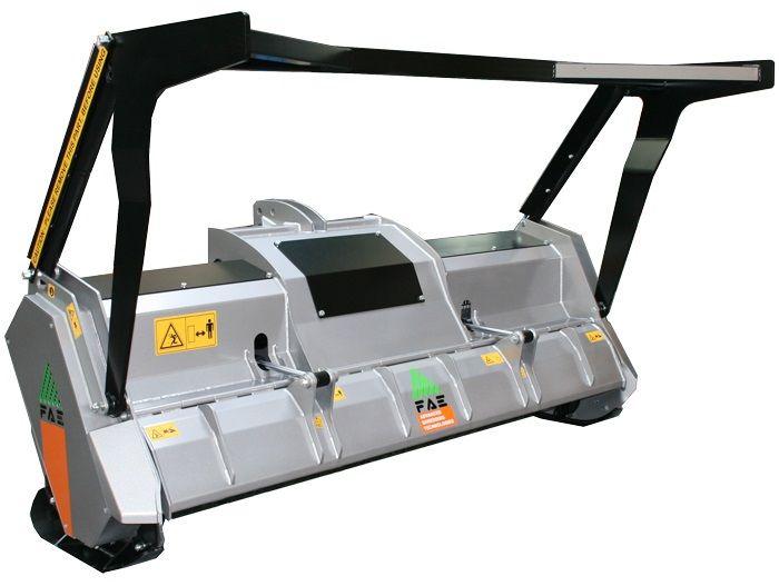 UML/DT 200 Ancho de Trabajo 2060 mm Potencia Tractor 80-130 CV Diámetro MAX Trituración 25 cm Rotor Dientes Fijos Español Inglés