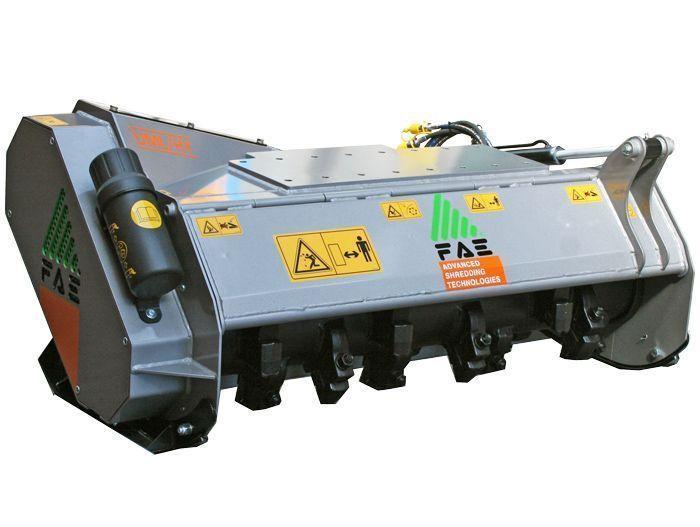 UML/HY 100 Peso Excavadora 7-14 tn Ancho de Trabajo 1100 mm Potencia Excavadora 70-110 CV Diámetro Max. Trituración 15 cm Rotor Dientes Fijos Español Inglés