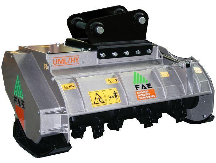 UML/S/EX/VT 125 Peso Excavadora 20-25 tn Ancho de Trabajo 1350 mm Potencia Excavadora 110-200 CV Diámetro Max. Trituración 30 cm Rotor Dientes Fijos Español Inglés