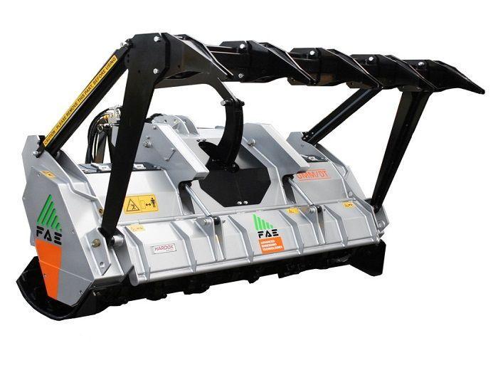 UMM/DT 200 Ancho de Trabajo 2070 mm Potencia Tractor 140-240 CV Diámetro MAX Trituración 30 cm Rotor Dientes Fijos Español Inglés