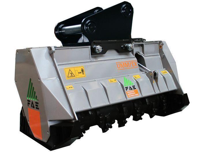 UMM/EX 125 Peso Excavadora 20-30 tn Ancho de Trabajo 1340 mm Potencia Excavadora 120-160 CV Diámetro Max. Trituración 30 cm Rotor Dientes Fijos Español Inglés