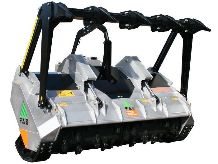UMM/S 200 Ancho de Trabajo 2060 mm Potencia Tractor 180-280 CV Diámetro MAX Trituración 35 cm Rotor Dientes Fijos Español Inglés