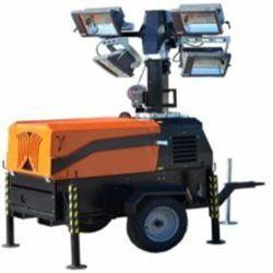 LT8500S HA Motor KUBOTA Potencia 15,4 CV Funcionamiento 40 h Altura MAX. 8,5 m Área de iluminación 2.000 m2 Luces 4X1.1.500W halógenas Vida útil 200 h Inglés